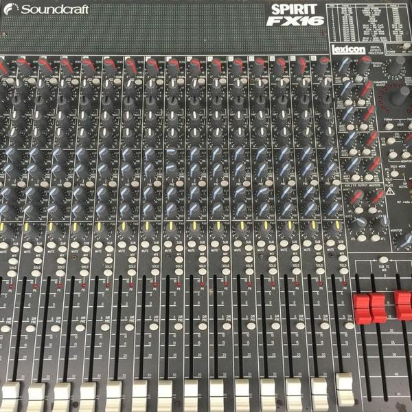 Soundcraft Spirit FX16 mixer