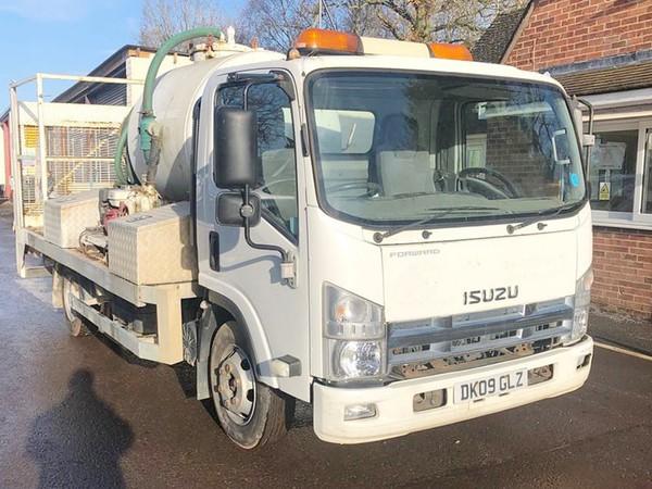 Buy Isuzu N75 Service Truck