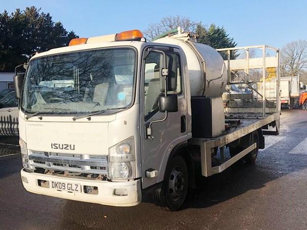 Isuzu N75 Service Truck
