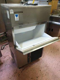 Hoshizaki IM-130NE Free-Standing Ice Machine