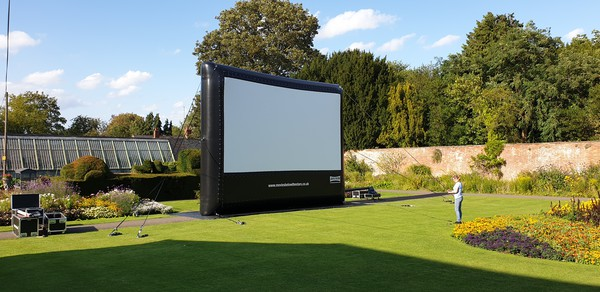 buy outdoor cinema with projector