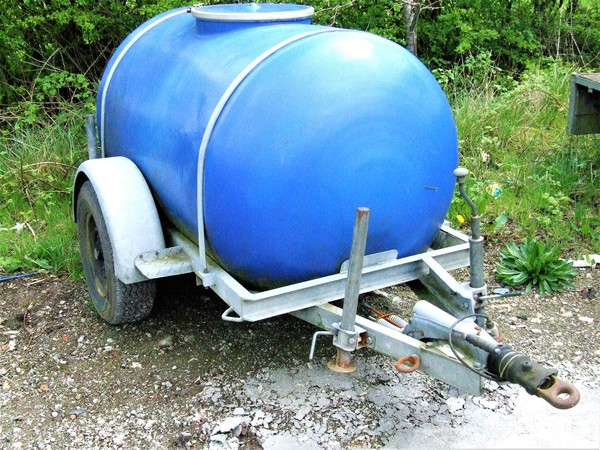 Secondhand water bowser