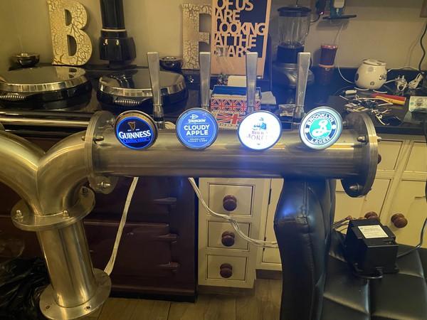 8x Beer taps (4 each side)
