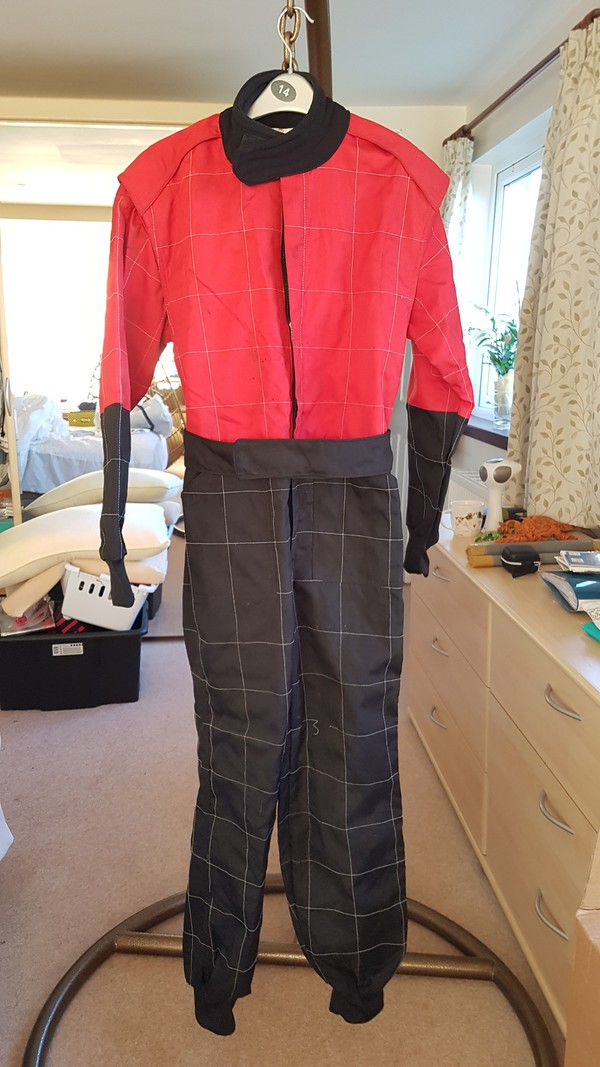Level 2 Gatellie Kart Suit Small Red / Black Kit