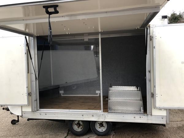 Exhibition trailer aluminium steps