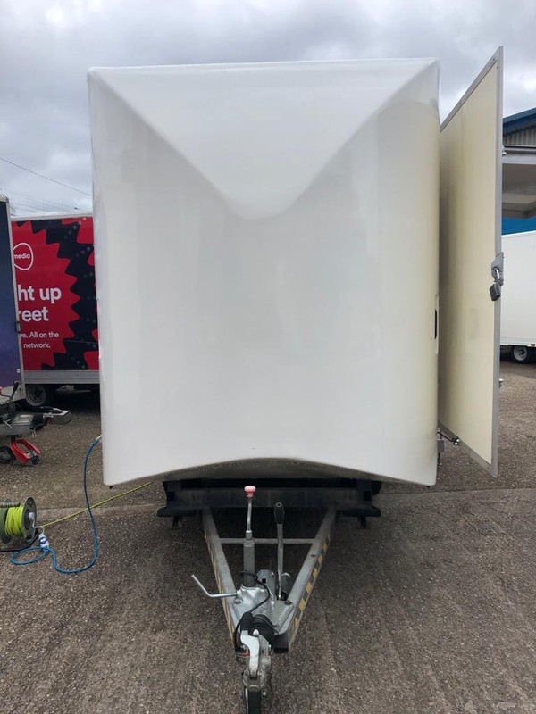 Tow hitch / nose cone