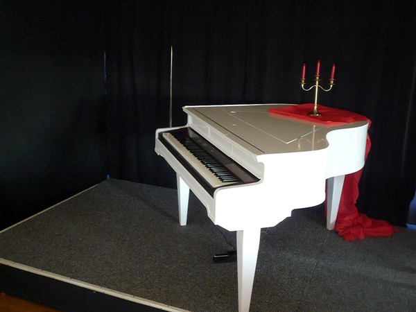 Second Hand Baby Grand Piano Shell for sale