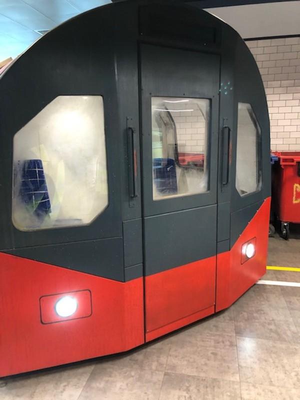 Selling Replica London Underground Train Carriage