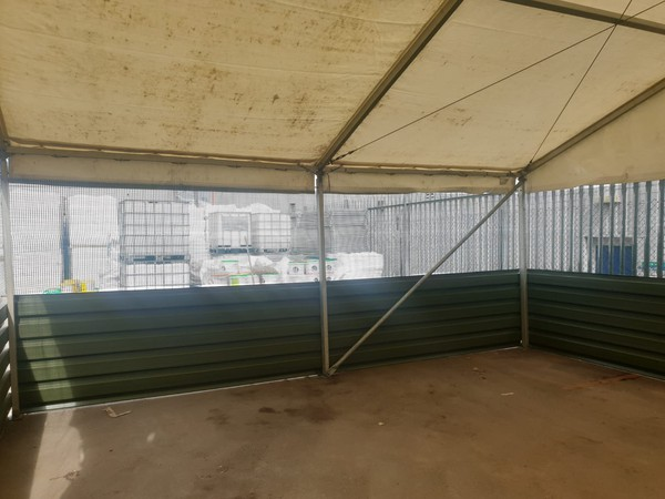 Marquee roof / mesh / steel sides