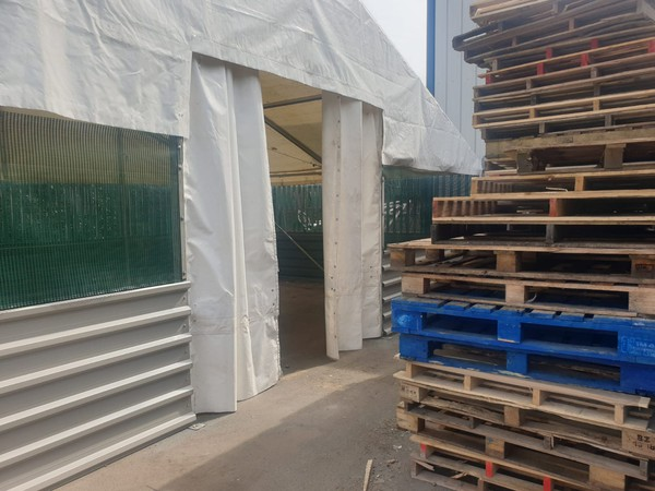 Marquee loading door