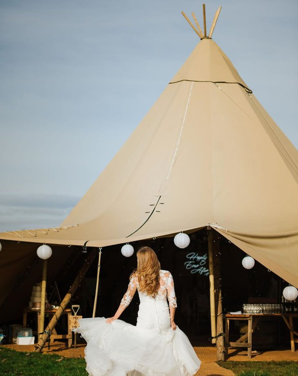 Giant Hat Tipis for sale