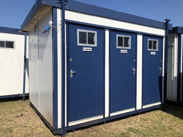 Used 6 Bay Jack Leg Toilet Cabins