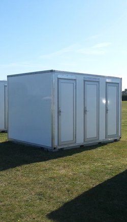 Second Hand 6 Bay Toilet Pod