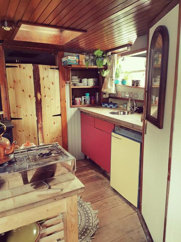 Dutch Barge kitchen