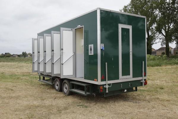 12 bay used toilet trailer in green