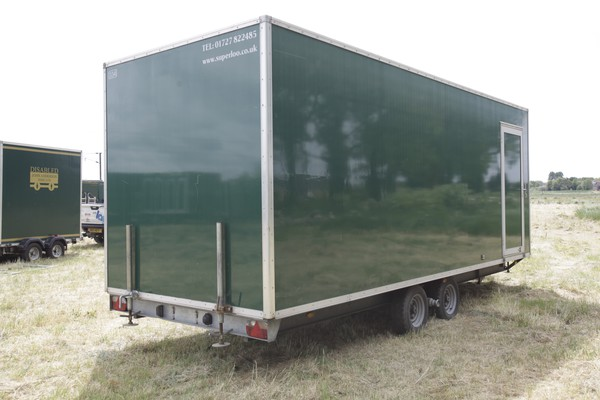 Urinal trailer secondhand