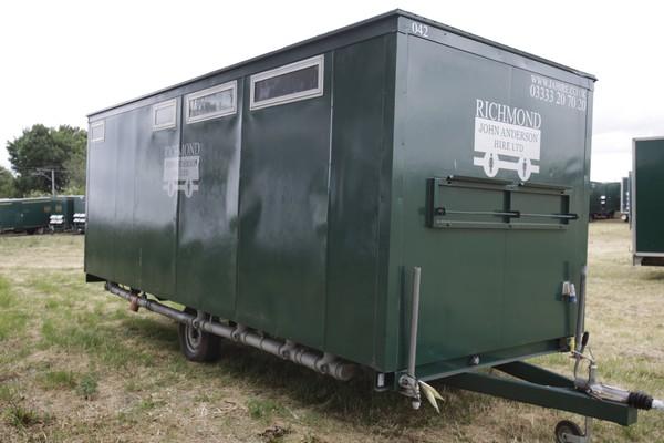 4 + 1 + 3 toilet trailer for sale
