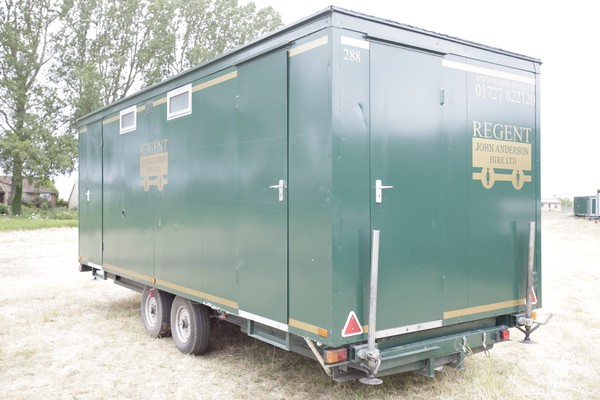 Secondhand 4+3 toilet trailer