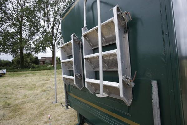 Aluminium steps for the toilet trailer