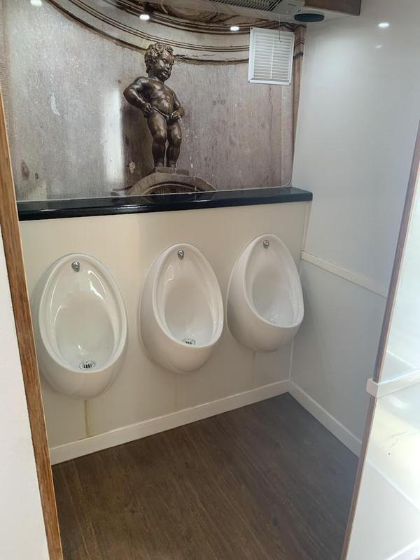 4+1 Luxury Toilet Trailer urinals