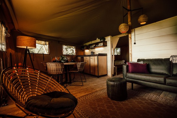 Vintage style glamping lodge