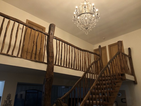 Selling Hand Crafted Solid Rustic Oak Staircase Parts