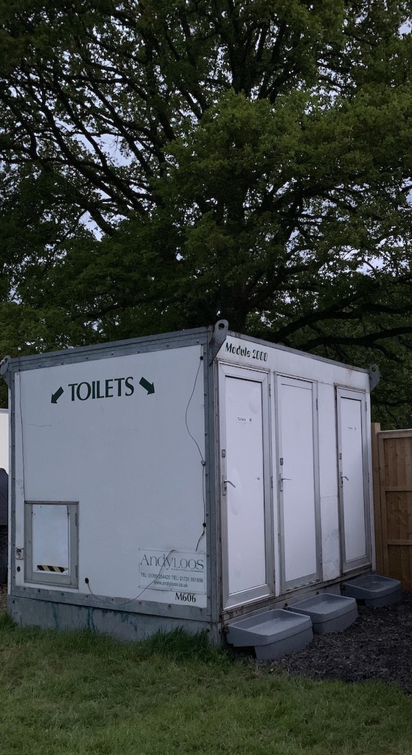 Self-Contained Toilets Unit x6 Cubicles