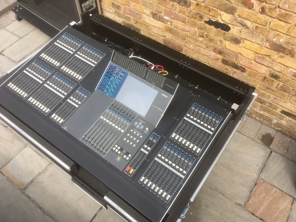 Yamaha M7CL 48 Mixer with Digital Stage Boxes