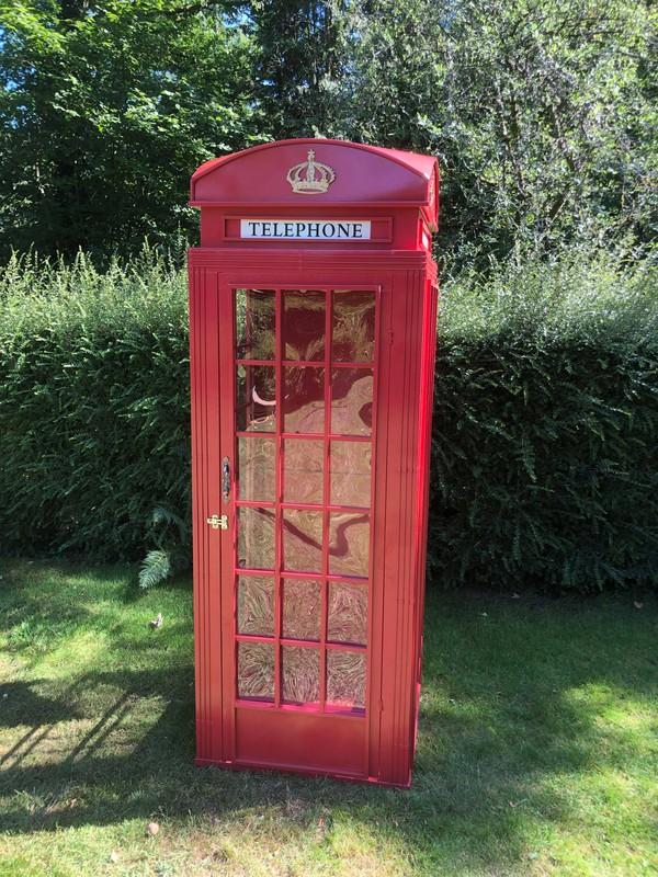 Fold flat telephone box prop