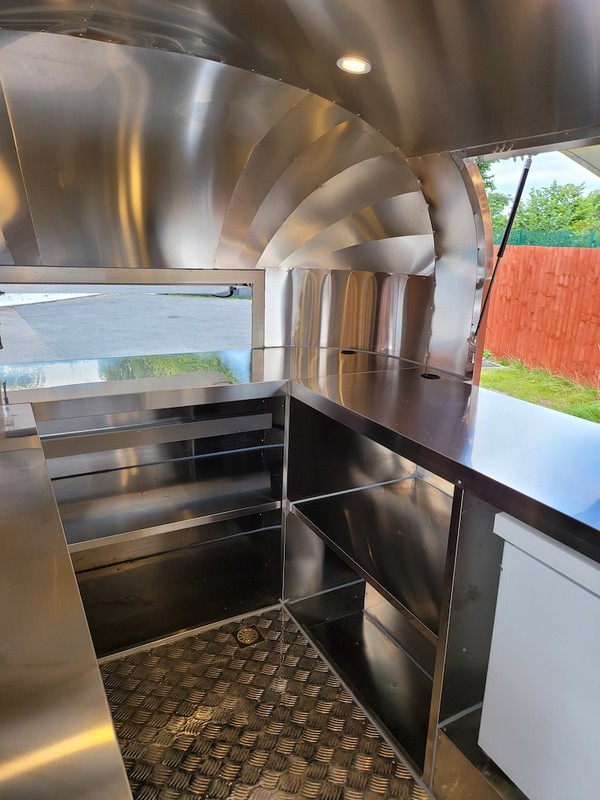 New Type Approved Airstream Mobile Catering Trailer Burger Pizza Bar Trailer Ready To Go 14