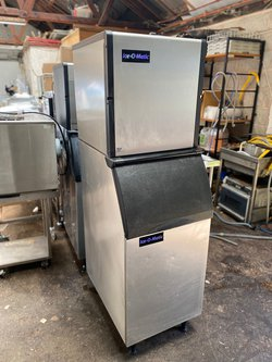 Reconditioned Ice-O-Matic 137kg Output Ice Machine with Large Storage Bin