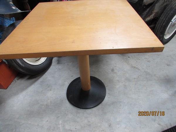 70cm x 70cm Square table