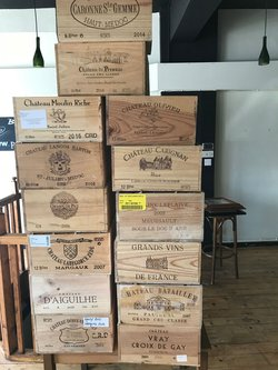 Bar decoration Wine crates