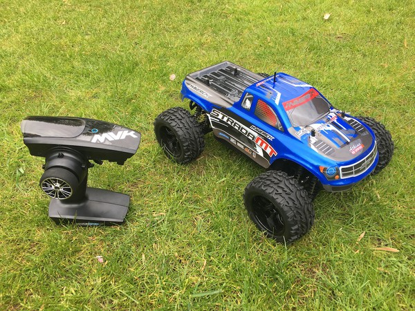 Secondhand R/C Cars Inflatable Race Track & Cars