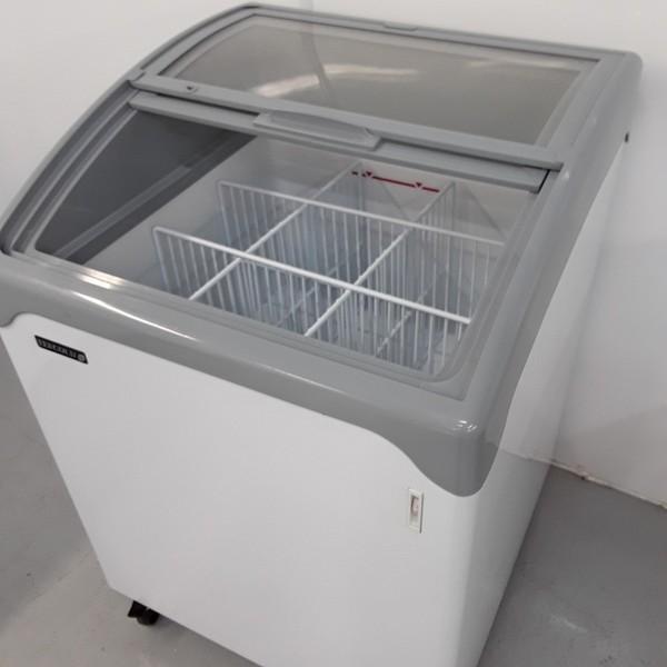 Sliding door display freezer