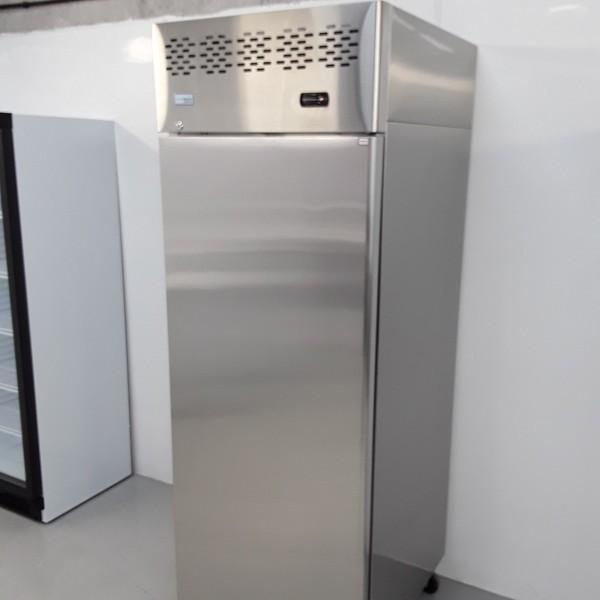 Catering upright fridge