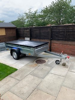 750kg light trailer with cover