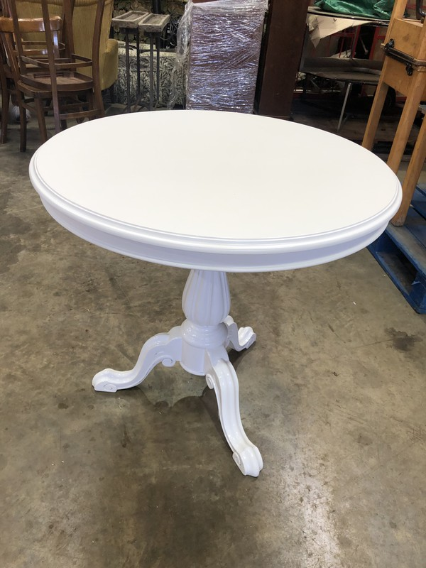 Fluted White Wine Tables For Sale