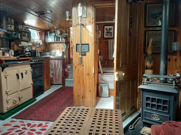 39' x 13' Live Aboard Humber Barge