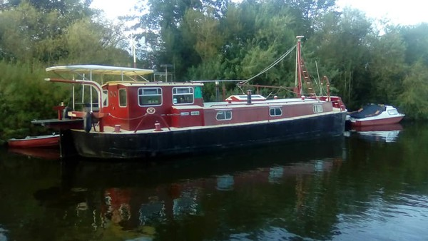 Historic 39' x 13' Live Aboard Humber Barge Canal Boat