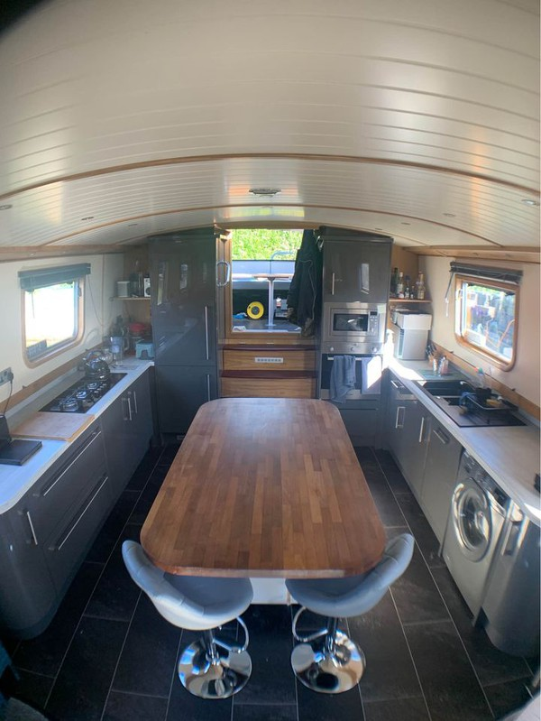 luxury widebeam for sale