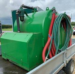 Rapid Vacuum tank for toilet servicing