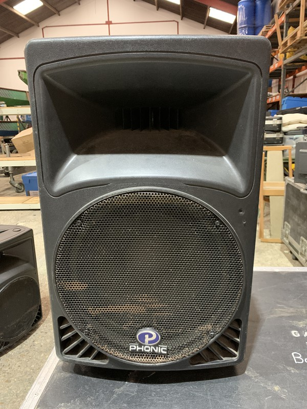 Phonic P450 speakers with stands