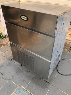 Used Foster F60 cube ice machine