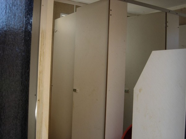 Second Hand 16 x 9ft male/female toilet block