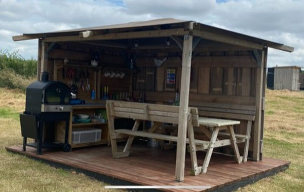 Glamping out door kitchen