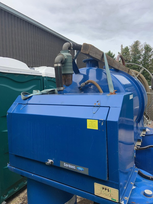 180/100 vacuum tanker