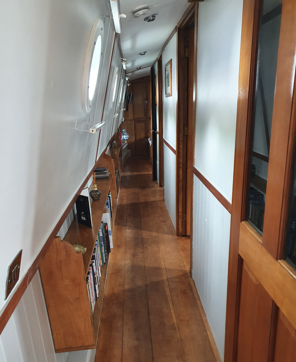 Selling Widebeam House Boat