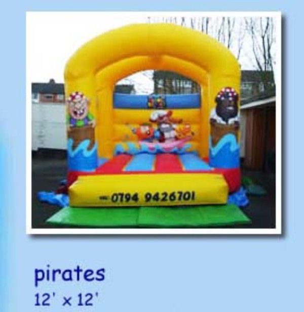 Pirtates Bouncy Castle with Blower