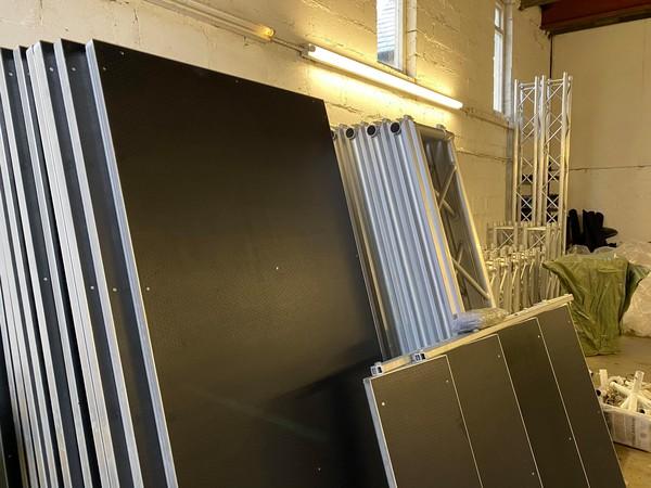 Aluminium stage decks